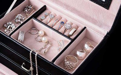Cash for Jewellery: Should You Sell or Get a Secured Loan?