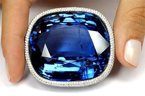 largest blue sapphire giant orient