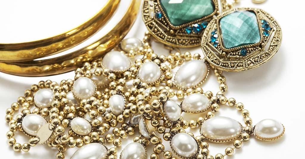 What To Do With Antique Jewellery